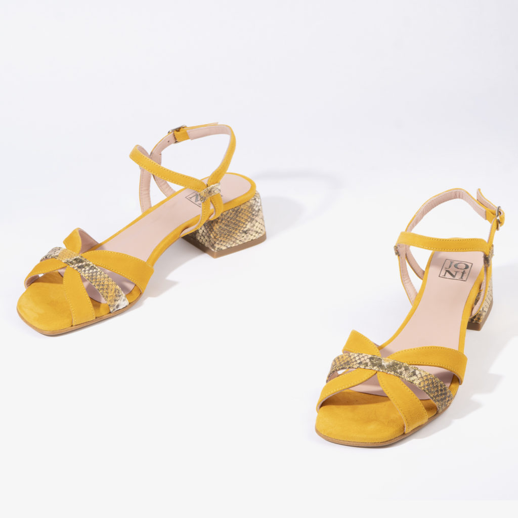 sandalia en color azafrán joni shoes 18053