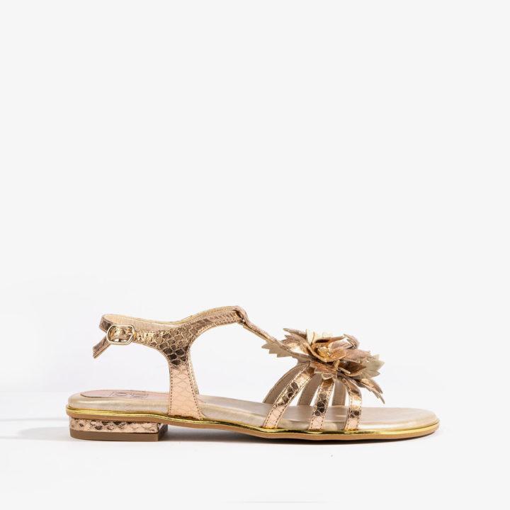 sandalia dorada con detalle en grabado de serpiente dorada 16001