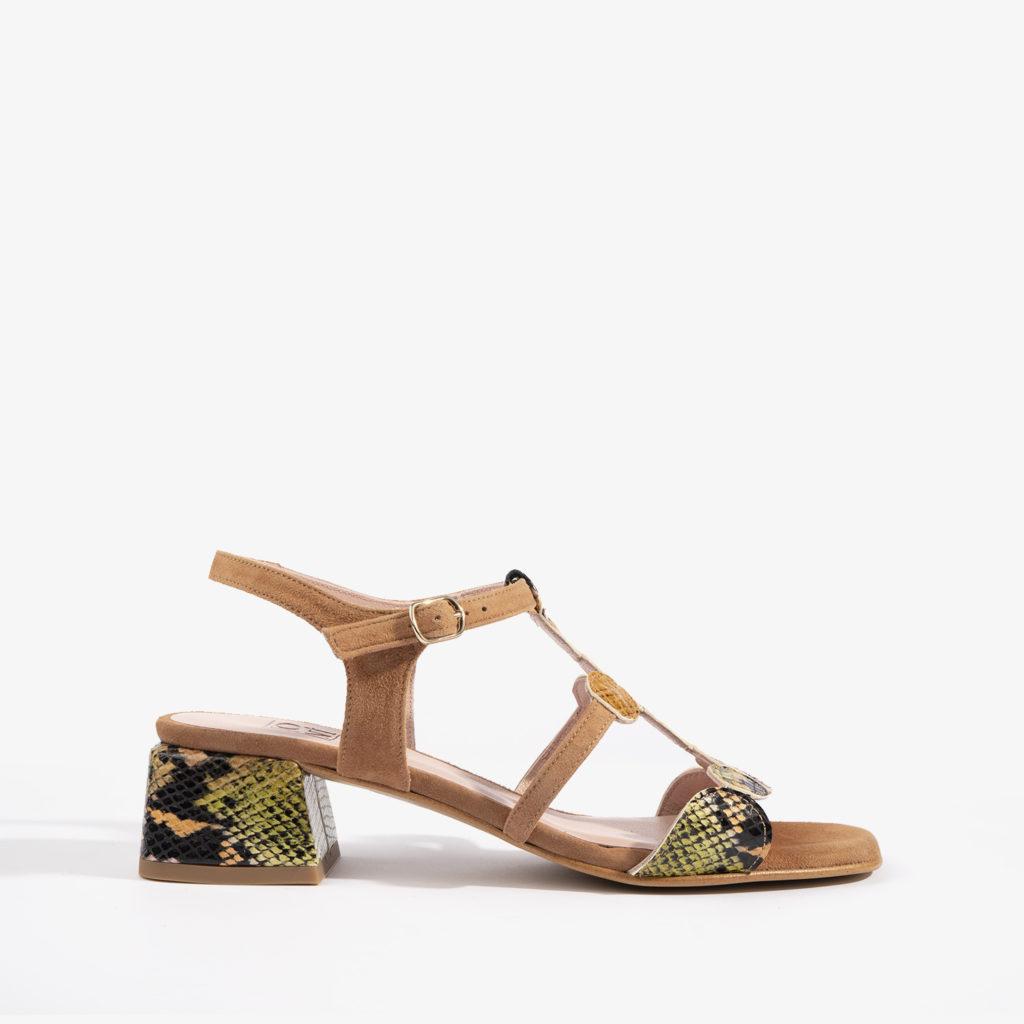 sandalos en color brandy y detalles confeccionados en serpiente multicolor joni shoes 18052