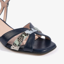 sandalia baja joni shoes en color azul noche 18053 detalle