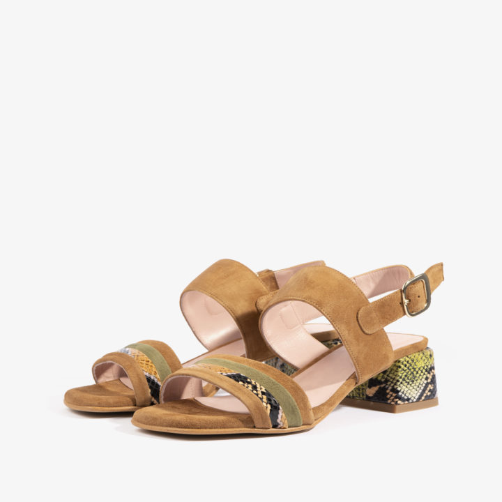 sandalia brandy con estampado serpiente joni shoes 18058
